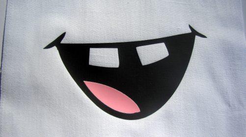 """Módne rúško na tvár """"Úsmev so štrbinkou"""""""